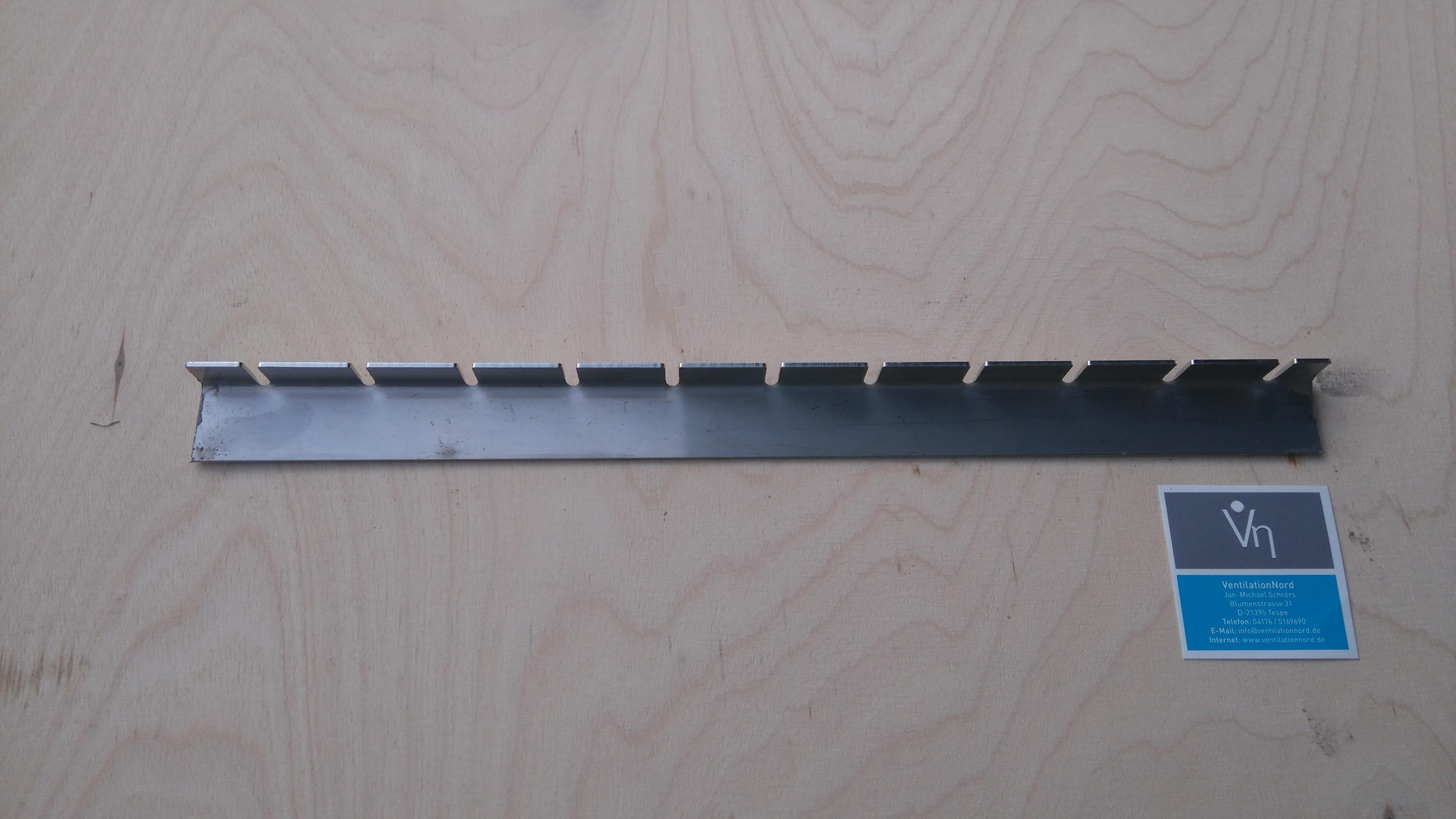 Schlitzleiste Edelstahl für Tropfenabscheider Gleichrichter Profile
